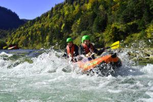 Isar Kanu Raftingtour auf wildem Wasser