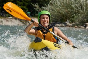 Wildwasser Rafting im Sit on Top Kajak
