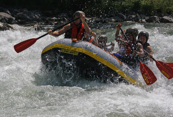 Rafting Ötzaler Ache, Wildwasser Rafting schwer in Österreich Tirol, Imster Schlucht, Haiming bei Imst, Ötztal